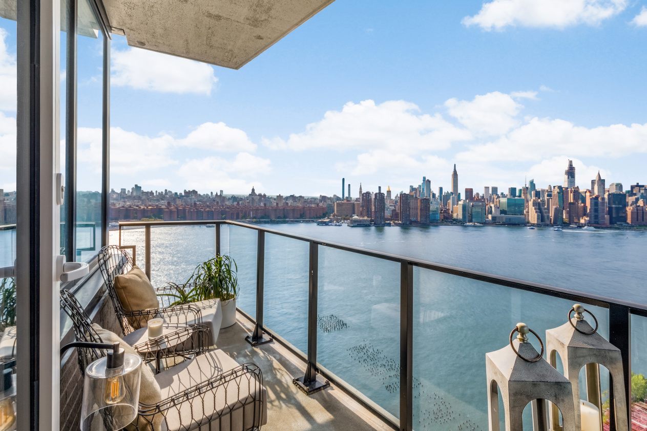 21 India Street, Apt 31-C, Brooklyn, New York 11222