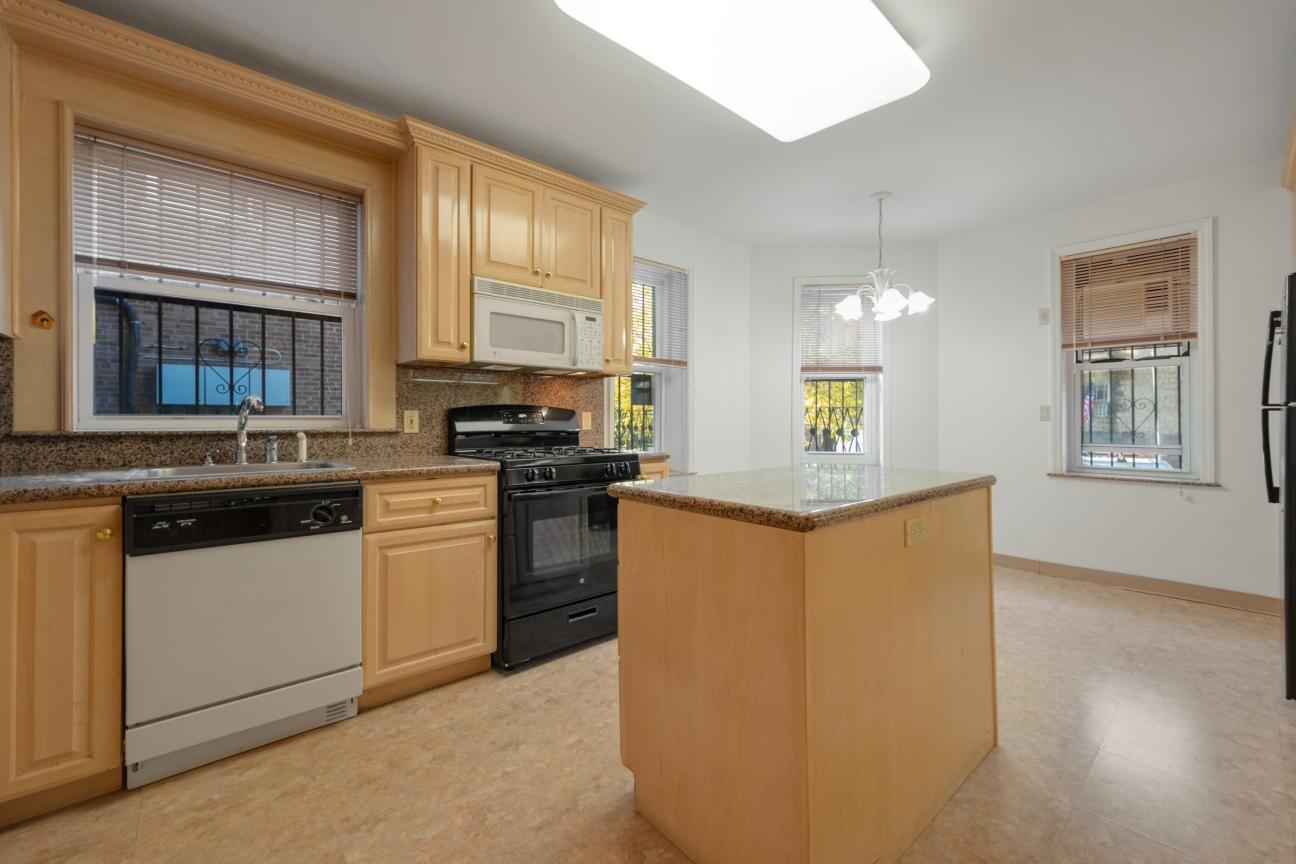 Apartment for sale at 1615 Avenue I, Apt 106