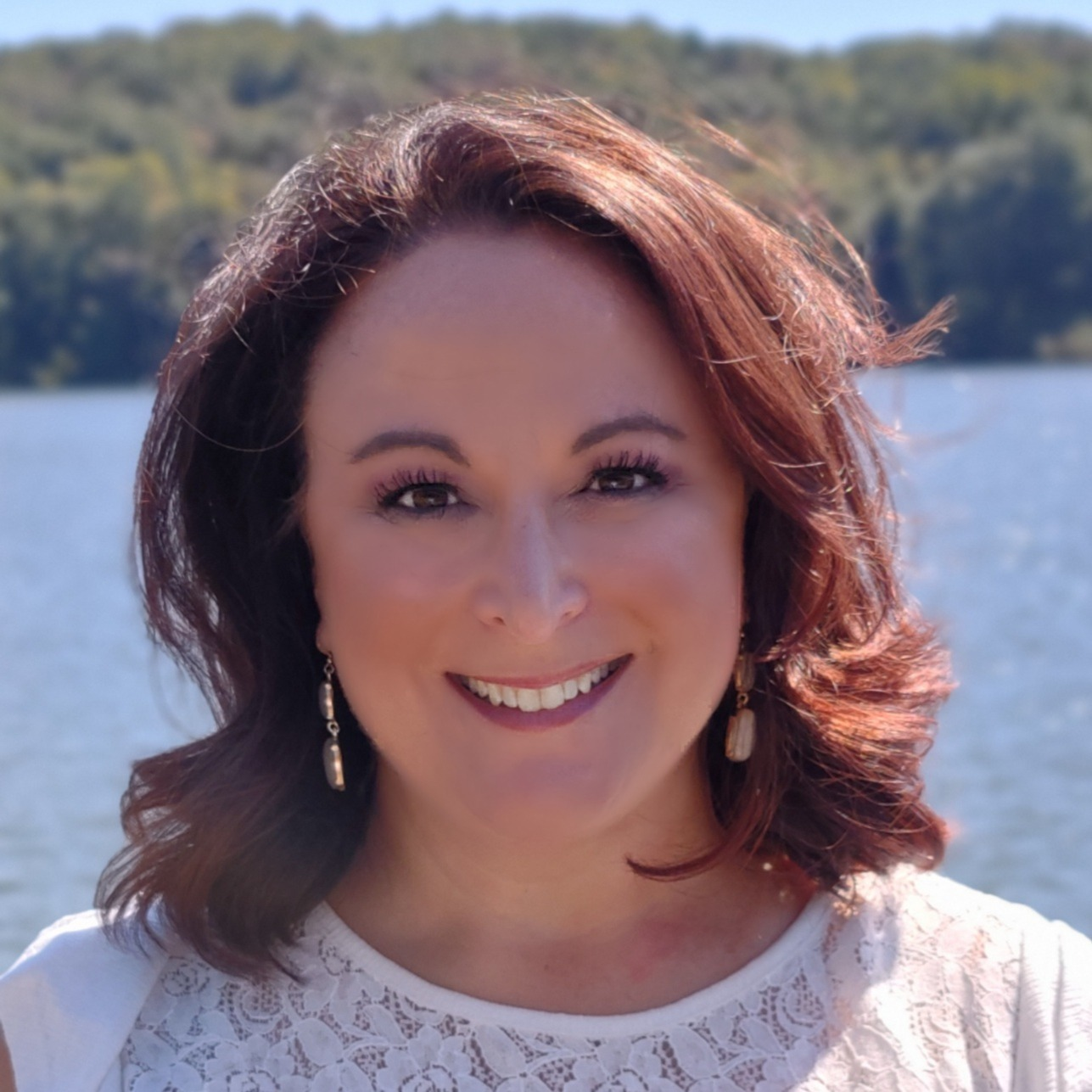 Nadine Baker, Agent in  - Compass