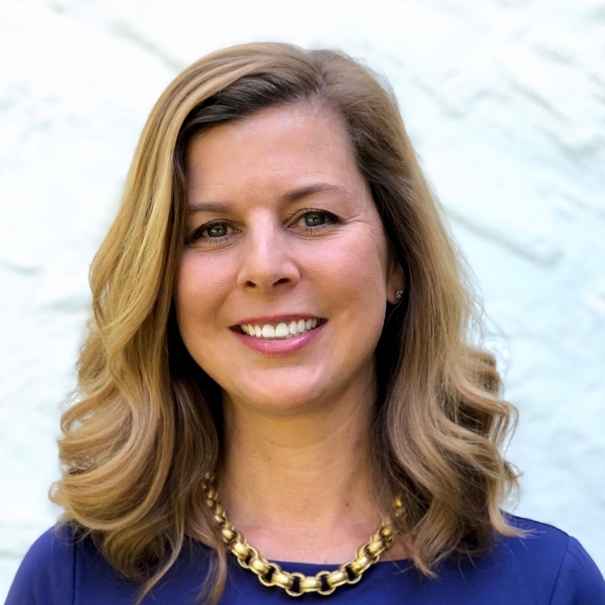 Headshot of Amy Mottola