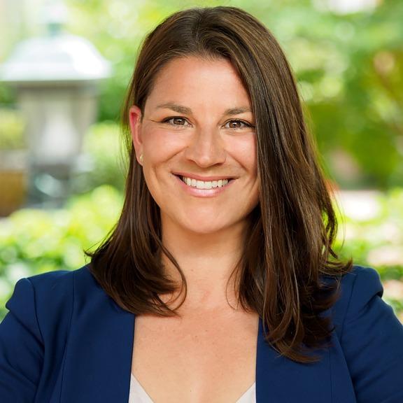Headshot of Krissy Cruse