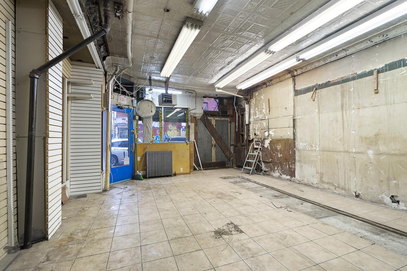 167 Havemeyer Street Interior Photo