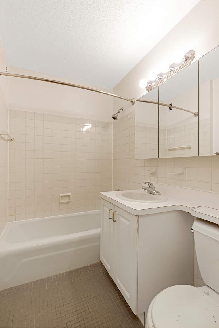 Apartment for sale at 1601 Third Avenue, Apt 5-D