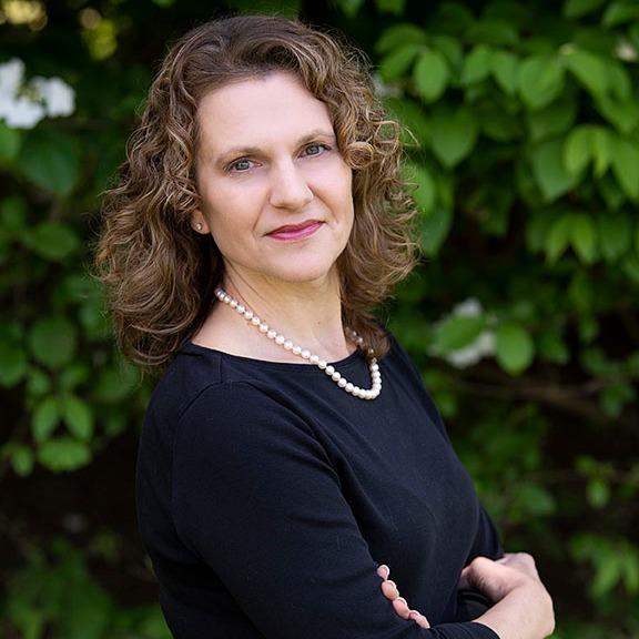 Headshot of Darlene Snyder