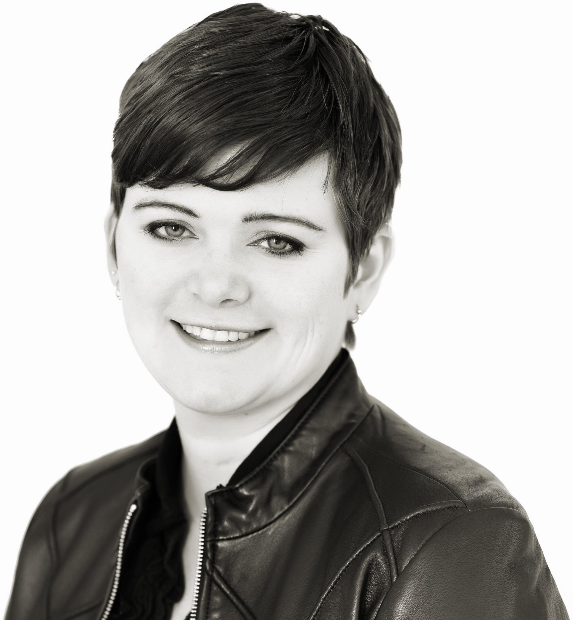 Amanda Adams, Agent in  - Compass