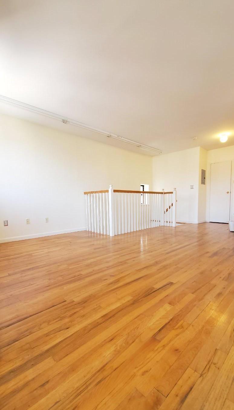 113 Pulaski Street Interior Photo