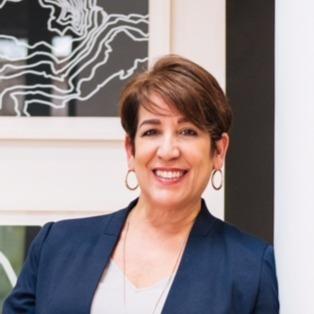 Evelyn Lugo