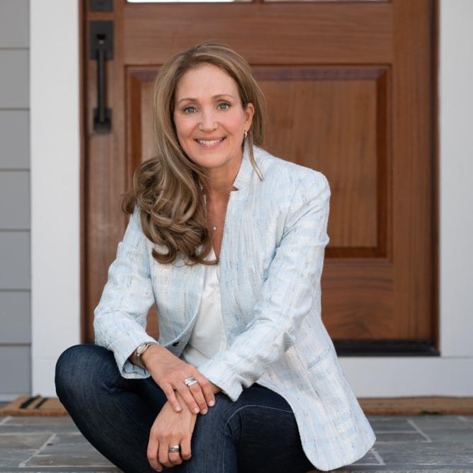 Headshot of Jodi Bentley